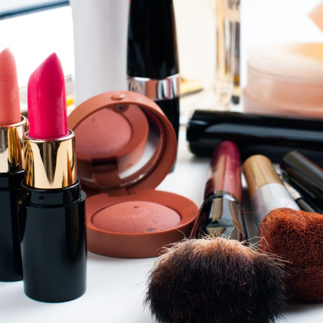 Where to Find The Best Branded Lipstick?