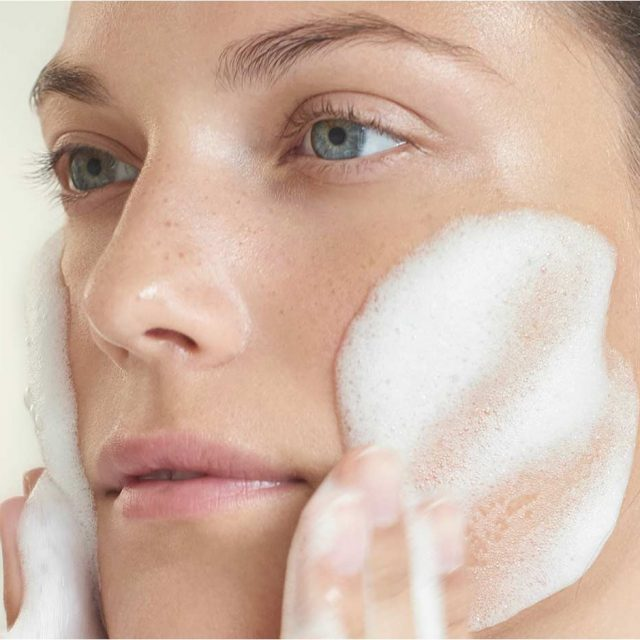 Flawless Skin is Not Miles Away With The Help of This Skin Care Solution Service